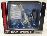 Motormax Skywings 1/100 Scale 77018 - F-104 Starfighter With Display Stand