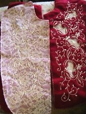 "RASPBERRY or WHITE SIDED LACE 1 EMBROIDERED INSERT~APPLIQUE~17"" tall x 7"" wide"
