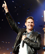 Lee Ryan UNSIGNED photo - H4292 - Member of the British boy band Blue