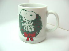 Snoopy in Wreath Merry Christmas 1979 Mug Cup green red white porcelain