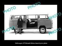 OLD LARGE HISTORIC PHOTO OF 1970 VOLKSWAGEN KOMBI DELUXE LAUNCH PRESS PHOTO