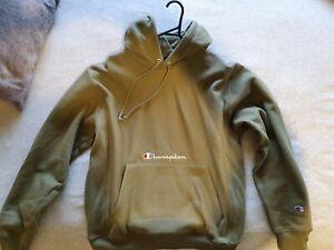 Champion Reverse Weave hoodie in Mens Medium