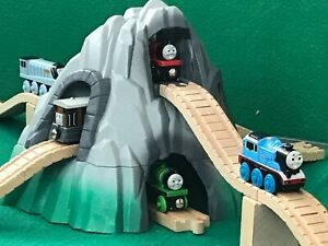 MOUNTAIN TUNNEL & TRACKS for THOMAS & FRIENDS WOODEN RAILWAY & BRIO TRAIN SET