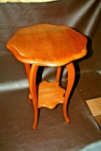 "Antique American Quarter Sawn Oak 30"" Tall 4-Legged Occasional End Table"