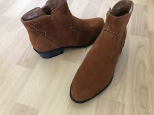 New Bamboo Size 7.5 Studded Side Zip Booties Boots