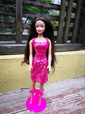 BARBIE CLONE DOLL MEXICAN CINTYA BOOTLEG GREEN EYES BLACK AND RED HAIR W/DRESS