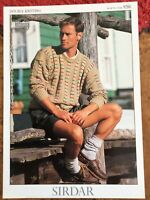 Mens Knitting Patterns.jumpers.size 36-50 inch chest.DK.Sirdar.