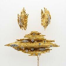 Gold Pendant Broch and Earrings with Diamonds