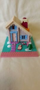 Vintage Polly Pocket Ski Lodge Cabin Holiday Chalet Empty Playset 1993