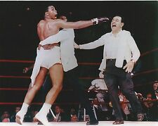 MUHAMMAD ALI SONNY LISTON 8X10 PHOTO BOXING POST FIGHT CELEBRATION