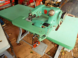 United States Blind Stitch Industrial Sewing Machine mod. 718-PR with table,