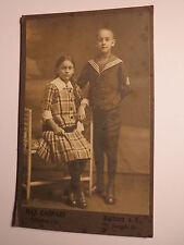 Harburg a. E. - 1918 - 2 Kinder - Mädchen mit Zopf & Junge in Matrosen-Anzug CDV