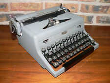 "Vintage 1950 Royal Arrow Manual Portable Typewriter~Gray w/""Finger Form"" Keys"