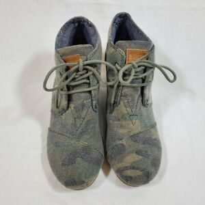 TOMS Washed Camo Desert Wedge Shoes Booties Size 7