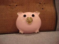 TEN79LA BOUTIQUE DESIGNER ROUND PINK PIG METAL PIN BROOCH - BRAND NEW