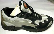 New Ellesse men`s Trainer shoes Size 9. Sales Sample. Vintage.