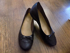Clarks Womens Ballet Flats Shoes Size 6.5 M Black Leather Bow Detail New Pretty!