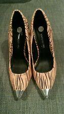 Ladies River Island BNWT size 6 light coral/black heels