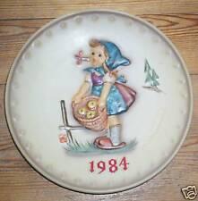 "Bumblebee Year Plate 1984 Hum 277 "" Busy Lizzie Little Helper "" FM 6"