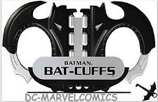 DC DIRECT JUSTICE JLA TROPHY ROOM BATMAN BAT-CUFFS PROP LIFE SIZE REPLICA Statue