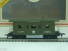 HO SCALE US ARMY  STANDARD CABOOSE MILITARY #99165 WITH  KNUCKLE COUPLER US ARMY