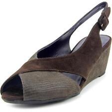 Zapatos de tacón de mujer de tacón medio (2,5-7,5 cm) de color principal marrón de ante