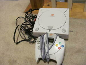 Sega Dreamcast Console Model HKT-3020 With 1 Controller - Tested