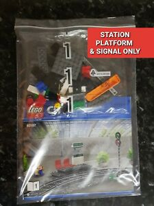 🎁🎄LEGO Train Station Platform & Signal Only NEW With Minifigure From Set 60197
