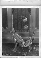 Sexy leggy Babe VINTAGE Photo Men 1924