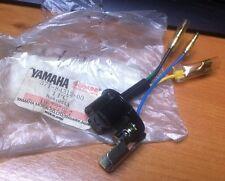 GENUINE YAMAHA  XJ650 MAXIM  SR400  XS250   HEADLIGHT BULB HOLDER  371-84312-00