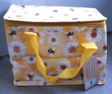 Jones hogar y regalo amarillo y blanco Bee & Daisy Diseño Lunchbag Aislado