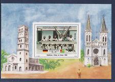 TOGO amitié Germano Togolaise  bloc 35f  éleves en classe 1984 **