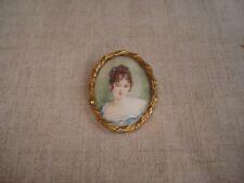 Broche ancienne Miniature peinte Portrait de Jeune Femme