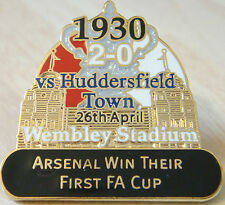 ARSENAL v HUDDERSFIELD TOWN Victory Pins 1930 FA CUP WIN Danbury Mint badge