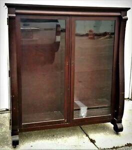 2-door BOOKCASE, Colonial Revival Empire, c1920, adj shelves, mahogany, 55t