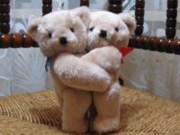 Hamburg Germany Hugging Teddy Bears Die Boltze Gruppe Rare