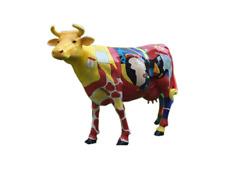 Bunte Lebensgroße Kuh im Abstrackten Picasso Style Bunte Kuh Verrückte Bemalung