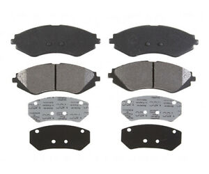 Front Brake Pad Set For 2000-2002 Daewoo Lanos 1.6L 4 Cyl 2001 Raybestos PGD902M