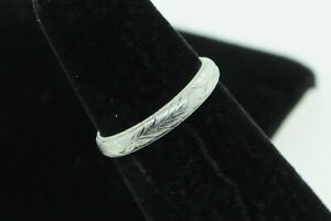 Art Deco Style (ca. 1947) Platinum Hand Engraved Japanese 3mm Band (Size 4 1/2)