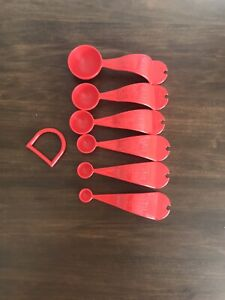 Tupperware Measuring Spoons Set of 6 w/ D Ring ~ Chili Red New