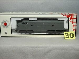STEWART KATO HO SCALE #8100 UNDECORATED F3A DIESEL LOCOMOTIVE, NEW, READY TO RUN