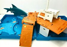 Matchbox Pop-Up Folding Travel Playset Shark Attack Ocean Ship 2007 Mattel  *T