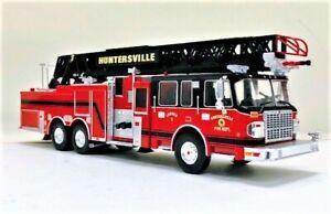 IXO TRF012 SMEAL 105' Aerial Fire Ladder Huntersville, N.C. 1/43 O Scale MIB NEW