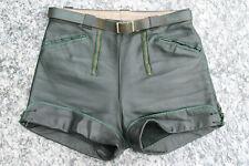 Schöne kurze dunkelgrüne vintage Lederhose - klasse lautes dickes Leder !