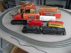 VINTAGE LIONEL TRAIN SET ENGINE #2026 PLUS CARS & BOXES