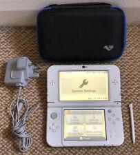 * Nuevo Estilo * Nintendo 3DS XL: Blanco perla portátil de consola, Stylus, Cargador, Estuche