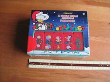 SNOOPY / PEANUTS CHARLIE BROWN CHRISTMAS DOMINOES MIB
