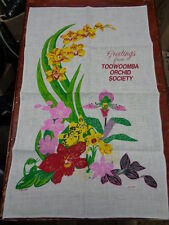 RETRO/VINTAGE/SOUVENIR UNUSED LINEN TEA TOWEL GREETINGS FROM TOOWOOMBA ORCHID