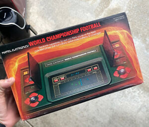 Mattel Electronics World Championship Football 1980 Vintage Complete in BOX MINT