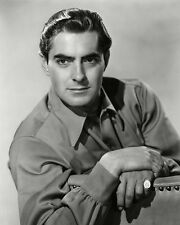 Tyrone Power UNSIGNED photo - D1651 - HANDSOME!!!!